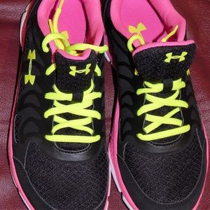Under armour shoes W 8 Yth 7 athletic black pink